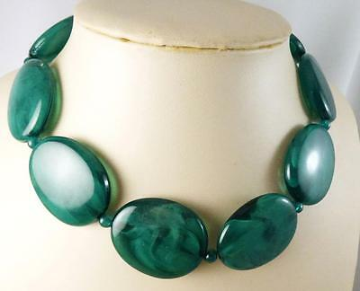 """Vintage Oval Marbled Green Lucite Bold Bead Necklace 16-19"""""""