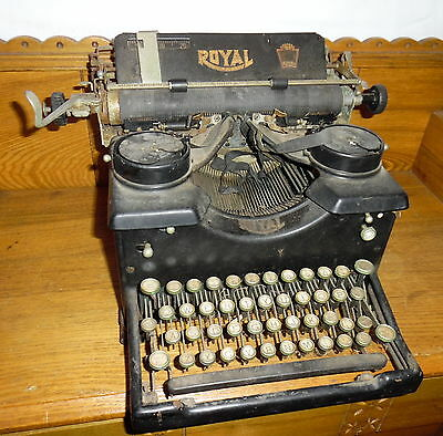 Antique DUSTY / DIRTY Royal Typewriter - Needs Serviced - Free Shipping