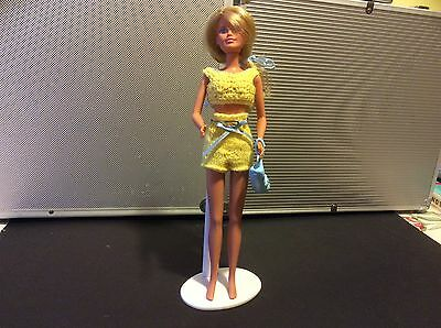 1980's/90's Blonde Sindy Doll with outfit and handbag