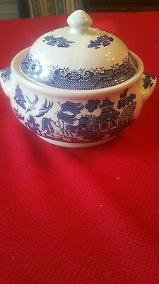 Churchill Blue Willow Covered Casserole Soup Tureen Vegetable Bowl England
