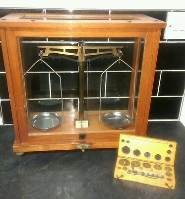 Nivoc Aperiodic Balance, Vintage Lab / Pharmacy Scales glass case with weights