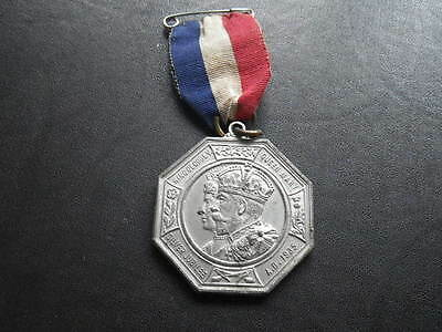 .. George V 1935 Silver Jubilee Medal Middlesex County Council x 2.