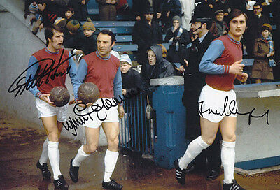 HAND SIGNED 12x8 PHOTO WEST HAM UNITED 1970 HURST GREAVES LAMPARD