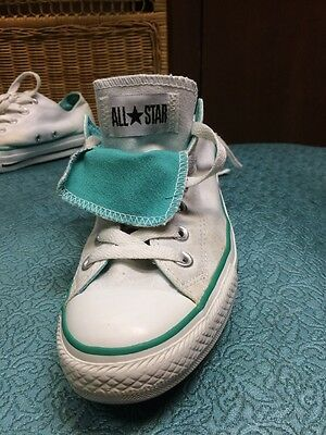 White Converse All Star Unisex Men's  7 Canvas Sneakers