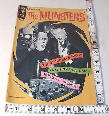 THE MUNSTERS TV SHOW 1960s GOLDEN KEY COMIC BOOK #10 1966