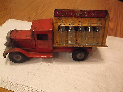 CR) Antique Metalcraft Metal Coca-Cola Delivery Truck w/ Glass Bottles
