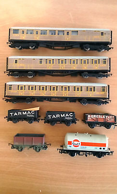Bundle of OO Hornby Coaches and Wagons