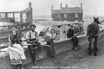 MODERN REPRO postcard of CANAL BOAT HORSE & BOAT FAMILY  TIPTON 1910