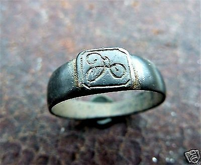 Post-medieval bronze ring with initials (265).