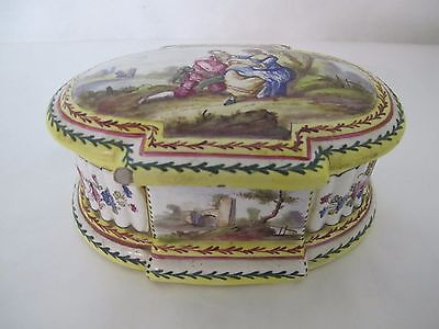 Stunning 1765 Sevres Lille Hand Painted Box With Scenic Lovers