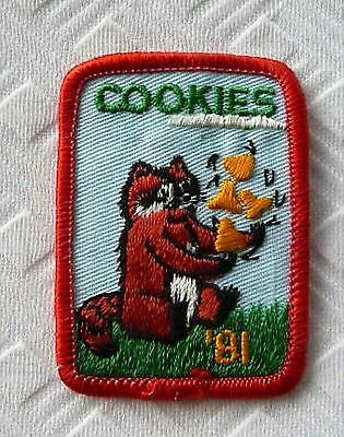 1981 - Girls Scouts Cookie Patch ... Raccoon !