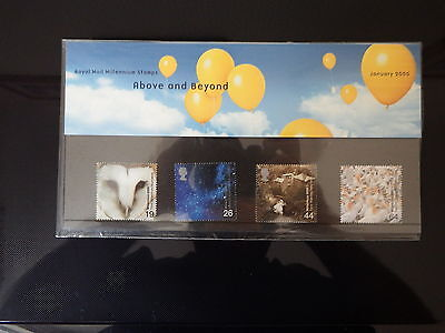 Qe2 Superb 2000 Above And Beyond  Presentation Pack In Mint Condition