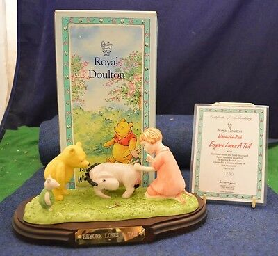 Royal Doulton Winnie The Pooh ''Eeyore Looses A Tail'' Figurine Wp15 USC RD6654