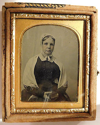 Ambrotype-Lady holding a book