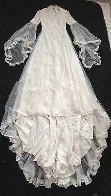 Vintage 1960s/70s wedding dress - lace bodice, flared sleeves - approx size 6/8
