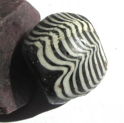 RARE LARGE ANCIENT AMAZING COMBED TRAIL GLASS BEAD 19mm x 22mm EARLY ISLAMIC