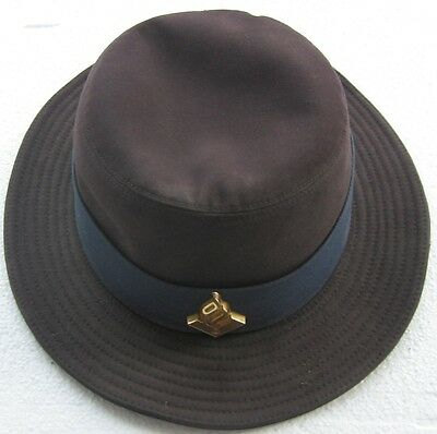 Netherlands, Holland, Female Dutch Police cap /hat  with official badge.