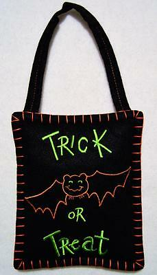 "Hand~Crafted Felt Halloween Trick Or Treat Bat Door/wall Hanging 5"" X 11""~New"