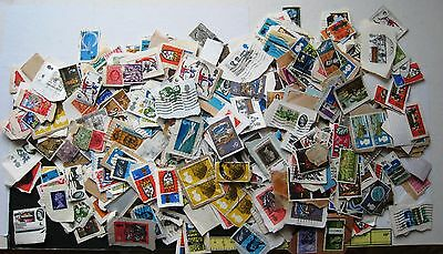 SELECTION OF PRE-DECIMAL GB COMMEMORATIVES ON & OFF PAPER APPROX  90g. UNSORTED.