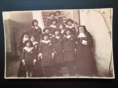 GROUP OF GIRLS & NUNS, COVENT SCHOOL, POSSIBLY EUROPEAN - REAL PHOTO PC 1910s/20