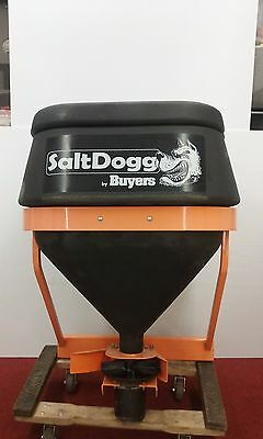 New Salt Dogg Spreader 8 cu ft. Tailgate Pick-Up Truck Hitch Commercial Rock Ice