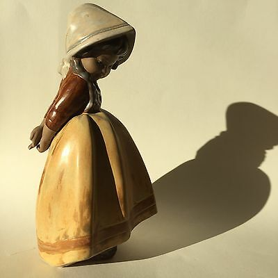 "Lladro ""Lonely"" #2076 Figurine 1978"