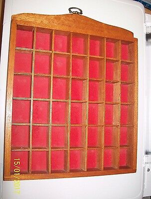(b)WOODEN PINE HANGING THIMBLES HOLDER DISPLAY FOR 42 THIMBLES WHIMSIES RED FELT