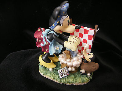 Disney MINNIE MOUSE DOING LAUNDRY Figurine by Enesco