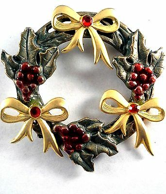 Brooch Gold Plated Green/Red Christmas Wreath Red Rhinestones/Bows 2 inches Used