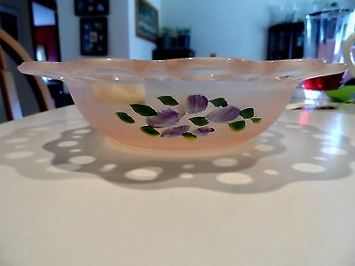 """7 1/2"""" Hocking Old Colony """"lace Edge"""" """"open Lace"""" Pink Frosted Bowl W / Flowers"""