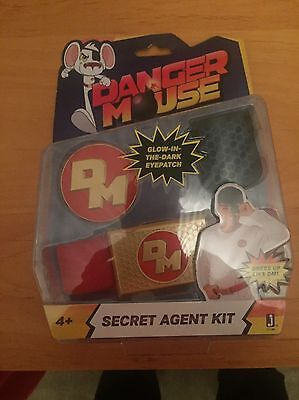 Jazwares Danger Mouse Secret Agent Kit (Eyepatch n badge)
