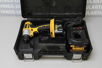 "DeWalt 1/4"" Impact Driver w/ Battery and Charger DC825"