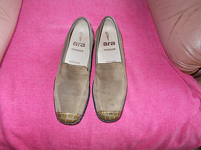 Suede  And  Leather  Slip-On  Shoes   -=   Size  5 G