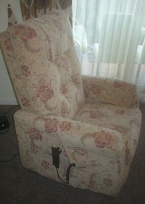 Electric Sofia Riser/rise Recline/recliner Disability/mobility Chair.  Ex Cond