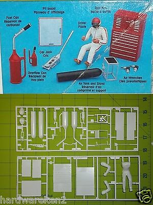 Diorama Shop Tools - Toolbox, Jack, Gas Can, Catch Can, Air Tank -  1/24 Scale