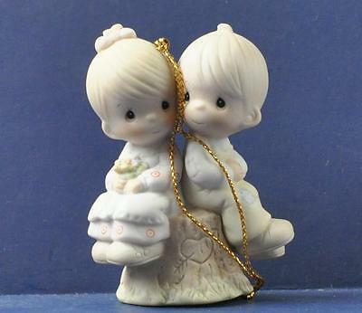 1989 PRECIOUS MOMENTS Love One Another 522929 NIB
