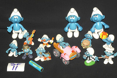 VINTAGE SMURF FOOTBALL REFEREE & MORE RUBBER & PLASTIC FIGURES Ref SF11