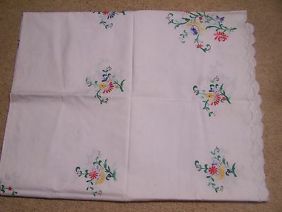 Vintage Large Cotton Embroidered Table Cloth Approx 95 Ins X 57 Ins And Napkins