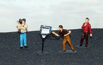 TV CAMERA CREW with COMMENTATOR  {1/32  painted figures}    set # 1