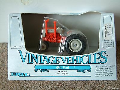 ERTL Vintage Vehicles 961 Ford tractor 1:43 diecast replica 1986