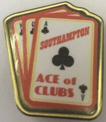 Southampton  ACE OF CLUBS FOOTBALL INSERT METAL BADGE