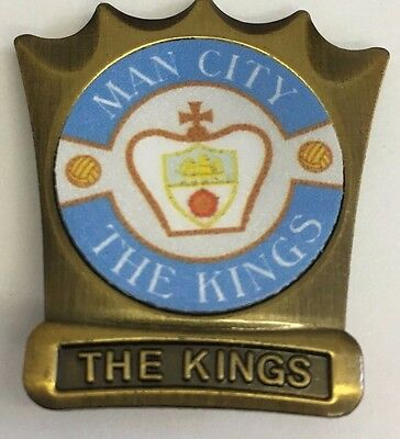 Manchester City THE KINGS  FOOTBALL INSERT METAL BADGE