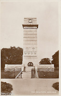 Postcard Carlisle Cumbria early view of The Cenotaph with RAOB wreath RP