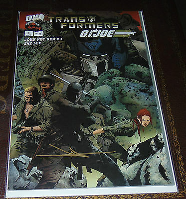 Transformers GI Joe #1 Fold out Cover Variant Signed by Jae Lee