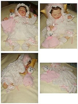 """Lovely Five Piece Hand Knitted Outfit – To Fit 18 -20"""" Reborn"""