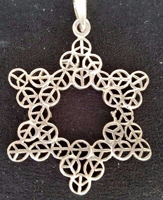 VINTAGE Sterling Silver Pendant Jewish Star of David w/Peace Signs 4.6 Gram .925
