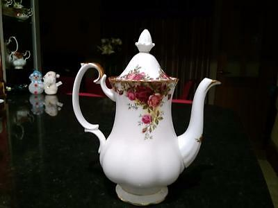 Beautiful Royal Albert  Old Country Roses Unused Coffee Pot First Quality