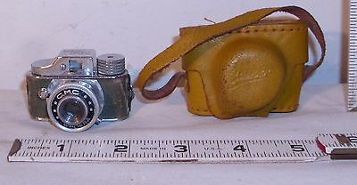 C.m.c. Vintage Subminiature Novelty Spy Camera Japan With Case