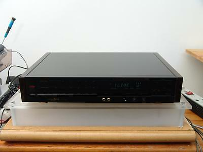 Grundig Fine Arts T-9000 High-End Stereo Tuner mit RDS