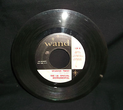 Twist And Shout By The Isley Brothers 45 Record Wand 124 A - Spanish Twist 124 B